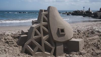 Castelele astea de nisip par făcute de extratereștri