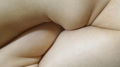 Die unangenehmen Körperbilder von Yung Cheng Lin tun mir in den Augen weh