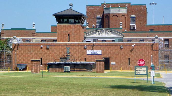 What Federal Inmates Think of President Obama's Plan to Visit a Prison Today
