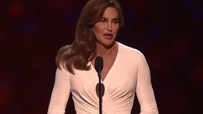 Watch a Roomful of People Cheer for Caitlyn Jenner at Last Night's ESPYs