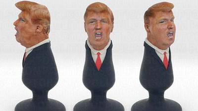 Von Donald Trump beleidigter Künstler verwandelt den Republikaner in einen Butt Plug