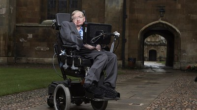 Stephen Hawking Is Searching for Aliens with Tech Billionaire Yuri Milner