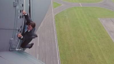 Tom Cruise lässt sich lieber direkt am Airbus festschnallen