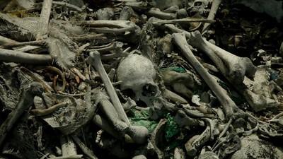 De Filipijnse sloppenwijk op een kerkhof