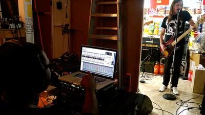 Cum să intri în industria muzicală din România, după ce ai ieșit din facultate