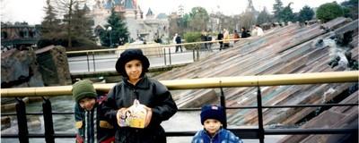 Grandir à Disneyland est la manière la plus étrange de grandir en France