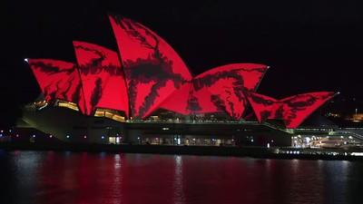 Wir waren vor Ort, als die Oper von Sydney in allen Farben erstrahlte