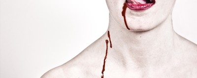 Am vorbit cu trei vampiri adevărați despre foamea lor pentru sânge