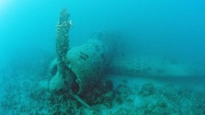 Auf dem Grund des Pazifik befindet sich ein WWII-Flugzeugfriedhof