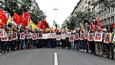 Gegen IS-Terror und für die Freiheit Öcalans