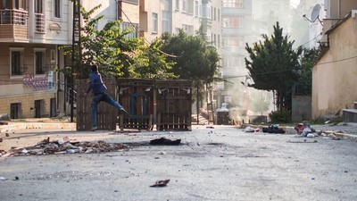 Turkey Accused of Shelling Syrian Kurds While Fatal Clashes Break Out in Istanbul