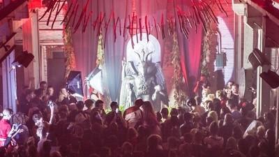Entramos en la inauguración de la estatua del Demonio en el Templo Satánico de Detroit
