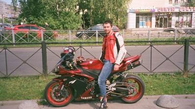 Am ieșit cu singura gașcă de motocicliști gay din Rusia