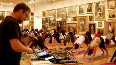 A Moda Agora É Fazer Noise Yoga
