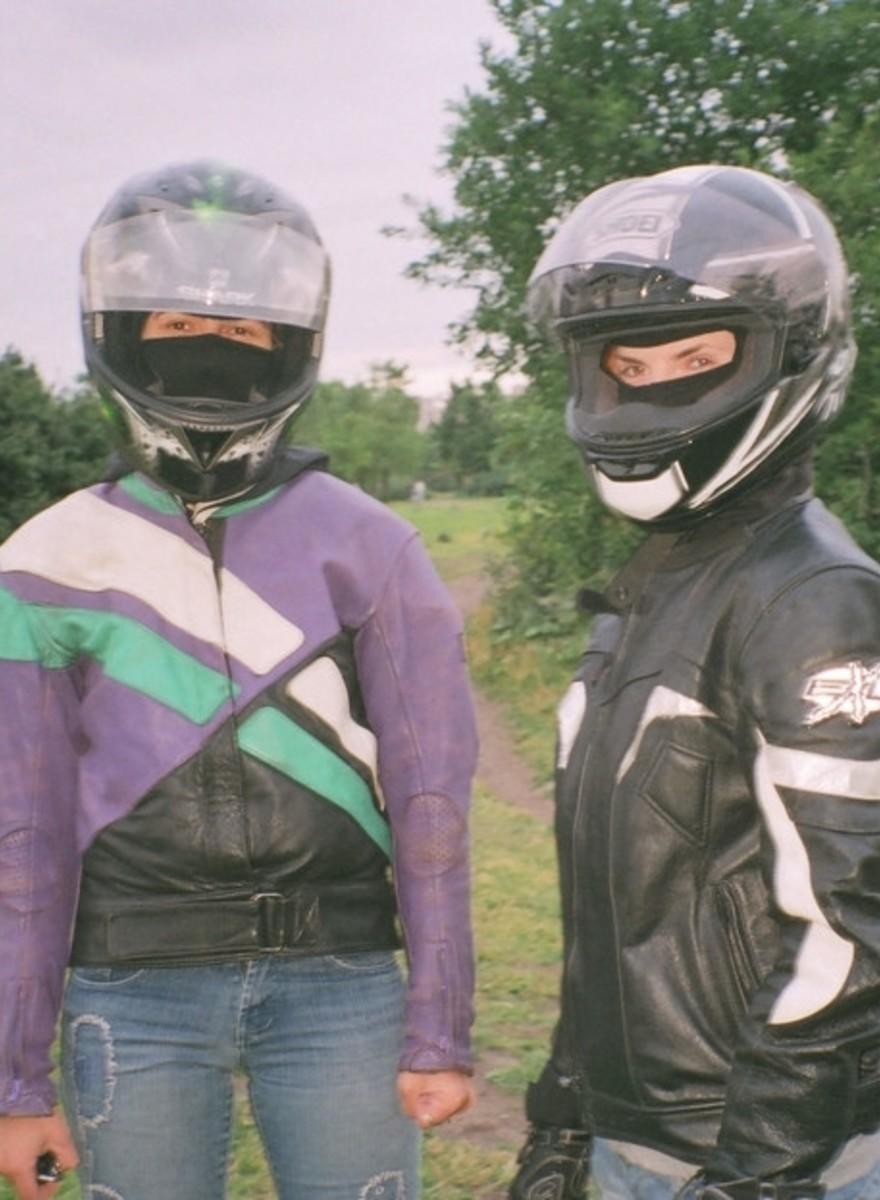 Κάνοντας Παρέα με τη Μοναδική Συμμορία Γκέι Μοτοσικλετιστών στη Ρωσία