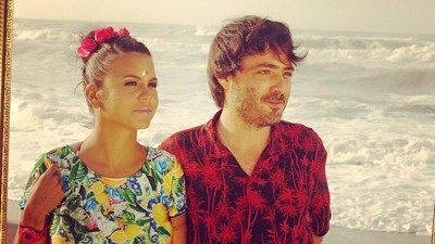 """Ponte romanticón en la playa con """"Somos dos"""", el nuevo video de Bomba Estéreo"""
