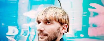 Hablamos con el primer cyborg del mundo sobre la voz de Hitler y el sonido de los colores