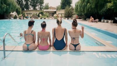 Vacanța mea de vară cu fete la ștrand, grătare și bunici hip