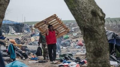 We vroegen een expert hoe om te gaan met de migrantencrisis in Calais