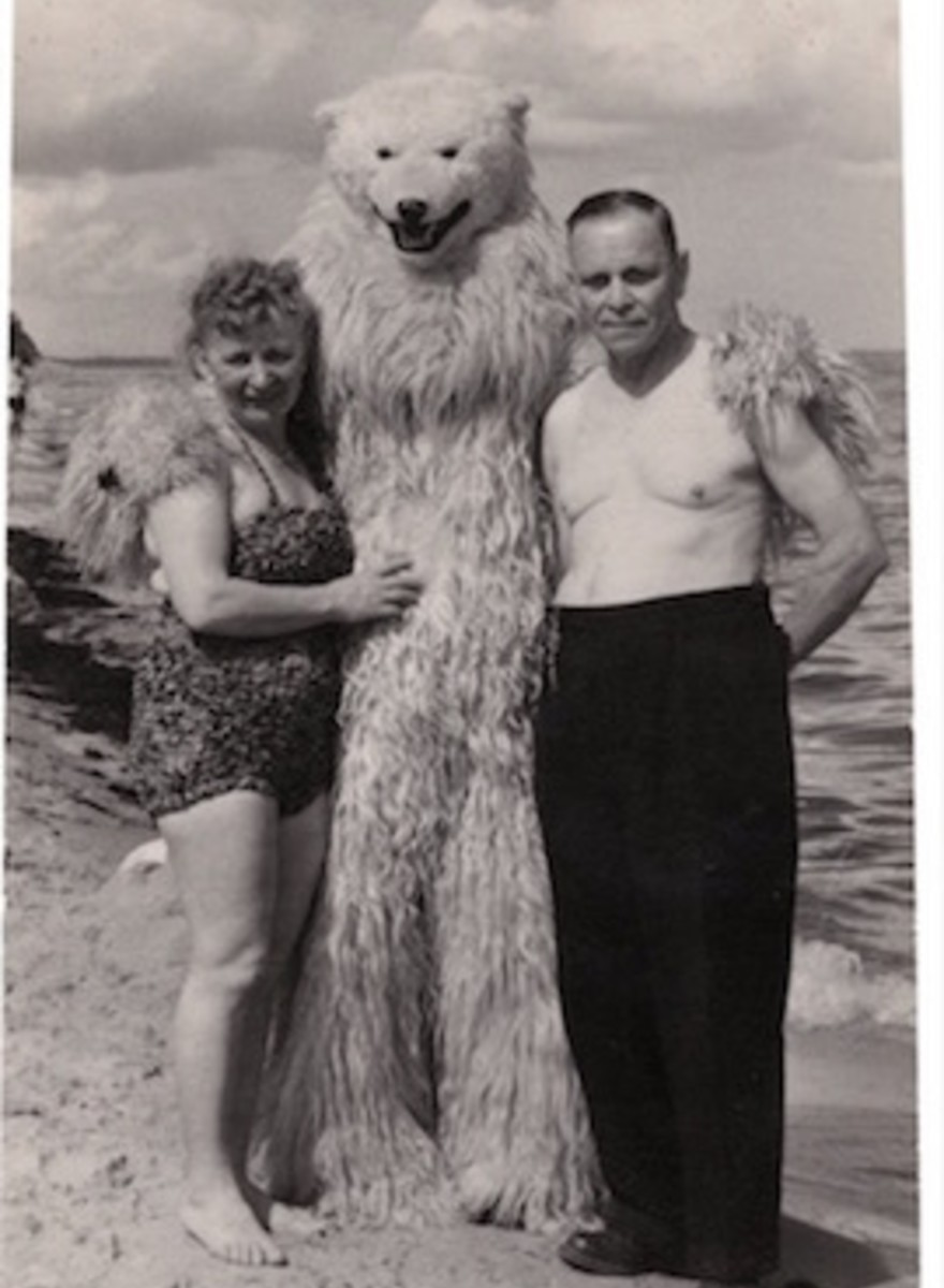 Eisbären, Schattenmänner und Blackfacing: Wenn gruselige Fotos eine Geschichte erzählen
