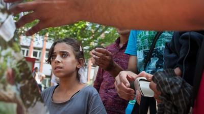 Prügelnde Polizisten, Wasserknappheit und Sprachbarrieren: Das Flüchtlingslager mitten in Berlin