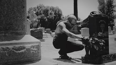 Platicamos con Leafar Seyer, el vocalista de Prayers, sobre la belleza de la cultura Cholo Goth
