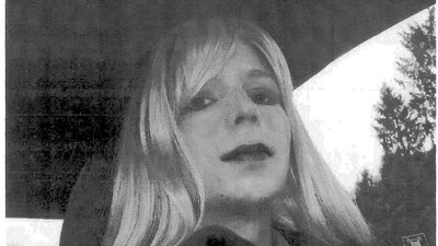 Chelsea Manning Could End Up in Solitary Confinement For Possessing the Caitlyn Jenner Issue of 'Vanity Fair'