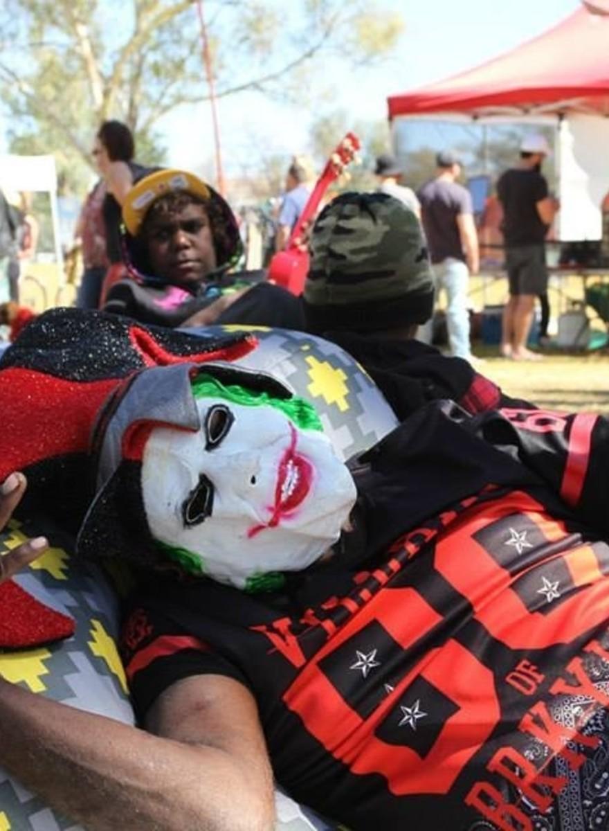 Fotos von der LGBT-Pride im australischen Outback
