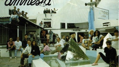 [ i-D ] Ibiza es la isla preferida de la moda