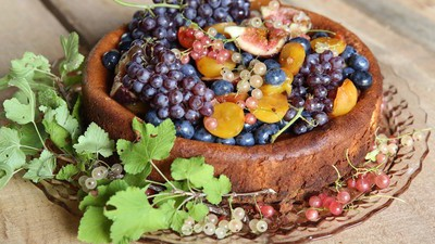 Ricotta-Cheesecake aus Schafsmilch mit Pistazienboden