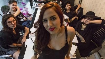 Estas tatuadoras regentan el único estudio de tatuajes exclusivo para chicas en São Paulo