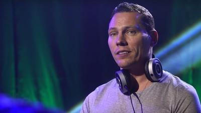 Tiësto moderiert jetzt eine Reality-Show, die schlechte DJs in EDM-Weltstars verwandeln soll