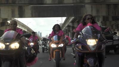 Meet New Orleans First All-Female Biker Gang, Caramel Curves