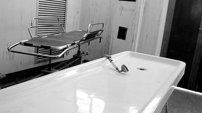 Achselfett, Leichen-Selfies und verschwundene Penisse: Einblicke ins Medizinstudium