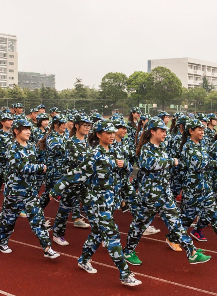 Así es el entrenamiento militar de los universitarios chinos