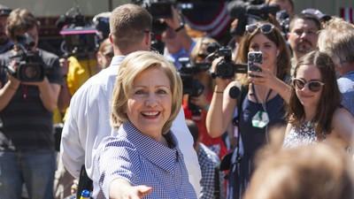 Hillary Clinton Talks Gun Control After the Virginia Shooting