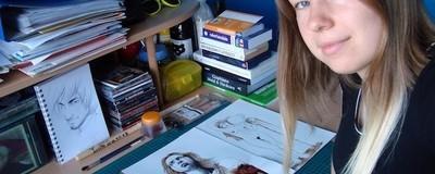 Diese Künstlerin malt mit ihrem Menstruationsblut