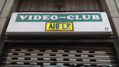 La caída del porno no puede con este videoclub de barrio
