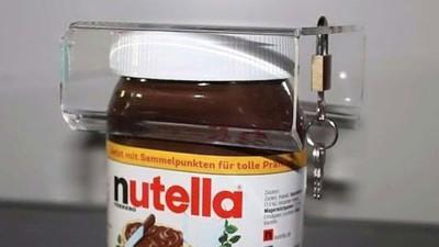 Dieser Typ hat ein Schloss für Nutella-Gläser erfunden