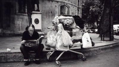 Dit krijg je ervan als je daklozen een wegwerpcamera geeft