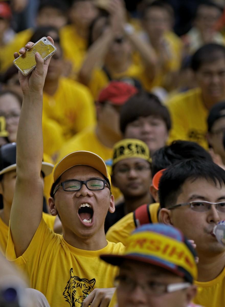 În Kuala Lumpur, guvernul le-a interzis protestatarilor să se îmbrace în galben