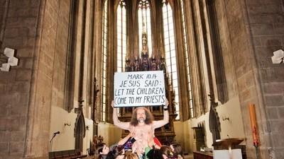 Milan Kohout proti všem náboženstvím