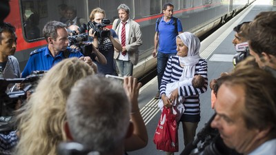 """Ganze 18 Flüchtlinge """"stürmten"""" gestern die Schweiz"""