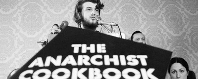 Bombas para la revolución: la historia de The Anarchist Cookbook
