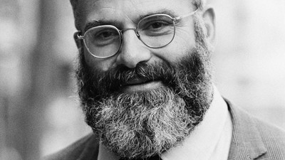 How ​Oliver Sacks Helped Me Deal with My Hallucination-Inducing Headaches