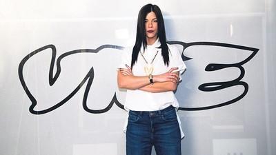 Η Εκπομπή του VICE στον ΑΝΤ1 Γνωρίζει τη Βιομηχανία Αγάπης της Ν. Κορέας και Κάνει «Κόντρες» στους Αγγλικούς Δρόμους