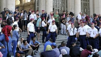 Autorităţile maghiare au închis gara din Budapesta din cauza imigranţilor
