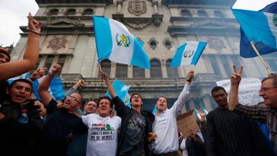 El presidente de Guatemala podría ser juzgado por corrupción tras perder su inmunidad