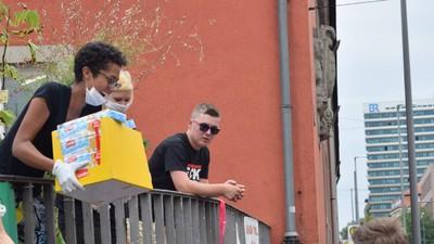 Geht doch: Münchner helfen spontan 3.000 Flüchtlingen
