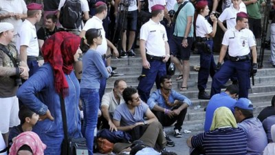 Hungary Seals Off Budapest Train Station to Migrants and Refugees
